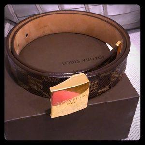 Authentic Louis Vuitton Damier Ebene 75/30 belt